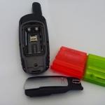 Rückseite GPSMap 62 ST geöffnet und Batteriebox Hama 46674 geschlossen