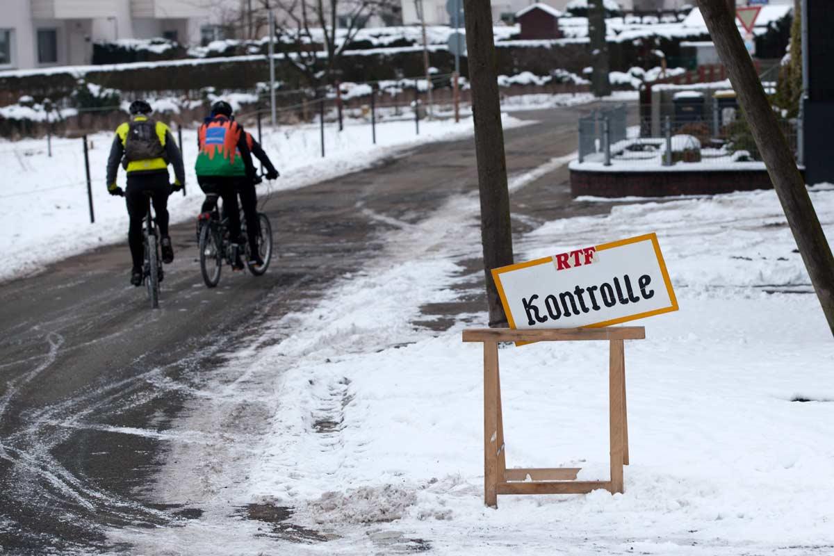 Kontrolle bei der Westfalen-Winter-Bike-Trophy (WWBT)